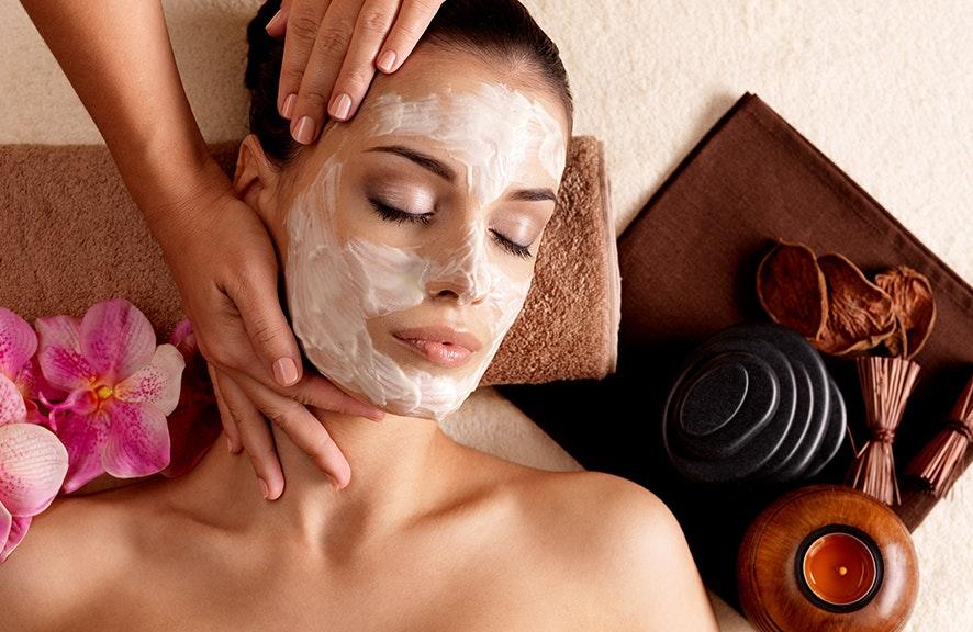 Relajación con masaje y facial